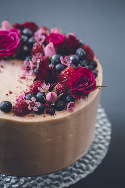 The Big Cake Decision: Should You Bake It Or Buy It?