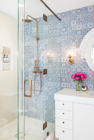 Tips for maximizing space in a small bathroom akamatra - Maximize space in small bathroom ...