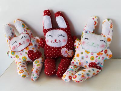 Making Easter Bunnies - Sewing tutorial