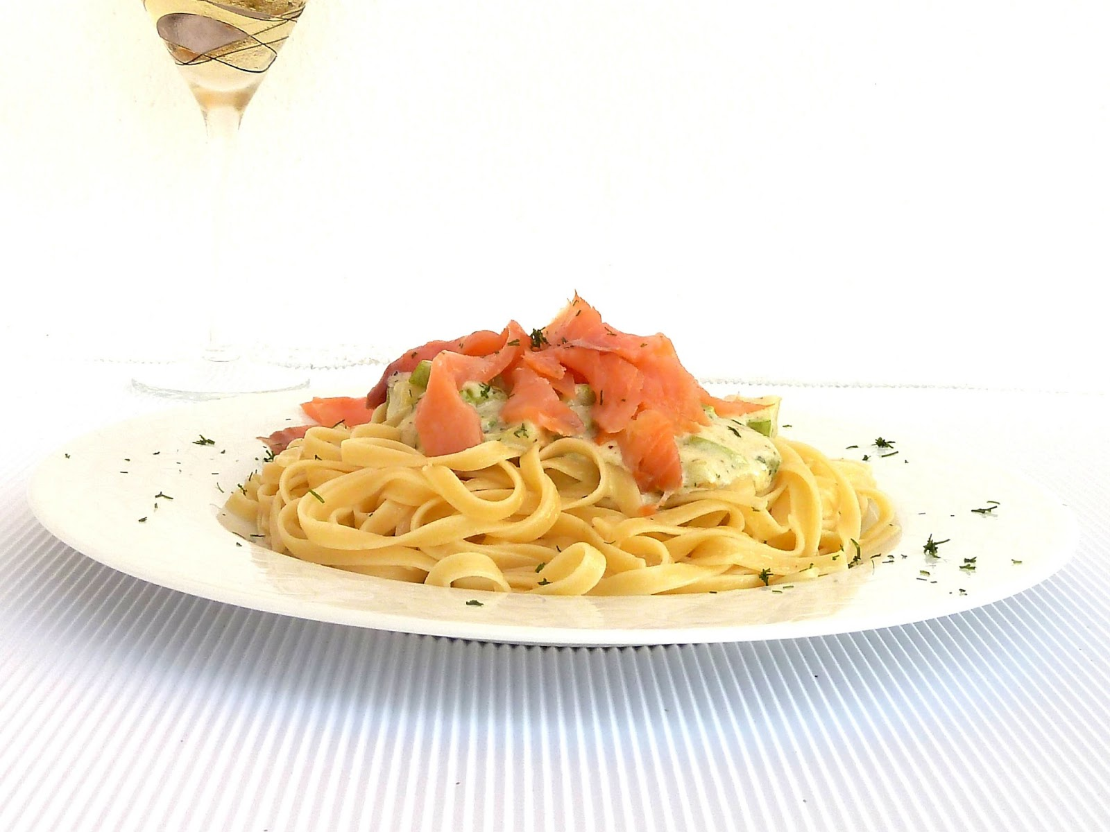 Linguini with salmon - Guest post from PinezaJewelry