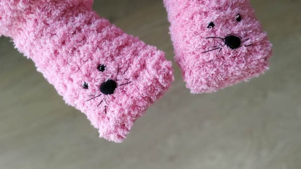 fluffy-kids-slippers-knitting-pattern-free