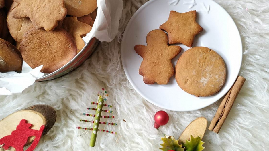 vegan-ginger-thins-refined-sugar-free-swedish-pepparkakor
